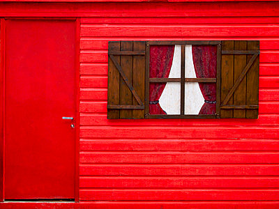 Wooden house painted red - p8130219 by B.Jaubert