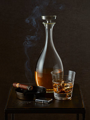 Cigar and Scotch on the Rocks - p1166m2136382 by Cavan Images