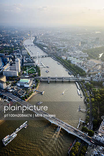 Aerial view of London cityscape and river, England,London, England - p1100m2084474 by Mint Images
