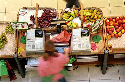 Obststand auf dem Markt - p0850081 von Andreas Pieper