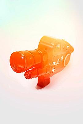 1960s movie camera (Beaulieu S2008) - p1028m2087276 von Jean Marmeisse