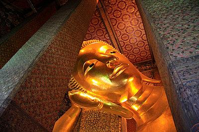 The Temple of the Reclining Buddha - p5148322f by Keita Sawaki