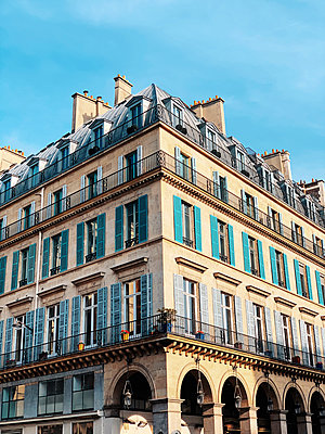 Building in Paris - p988m2031148 by Rachel Rebibo