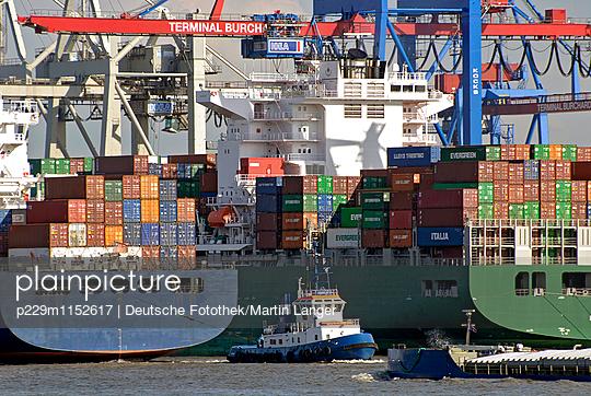 Hamburger Hafen - p229m1152617 von Martin Langer
