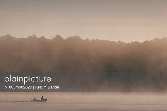 Fog at Chandos Lake - p1065m982627 by KNSY Bande