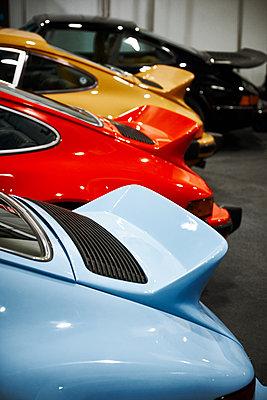 Porsche - p851m1528911 by Lohfink