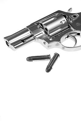 Revolver mit Patronen - p3300072 von Harald Braun