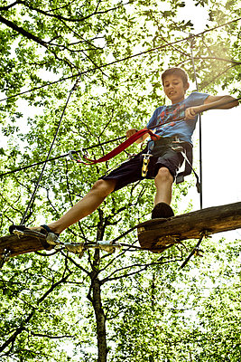 Ropes course - p445m1051405 by Marie Docher