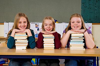 Three diligent girls - p3170265 by Nina Steul