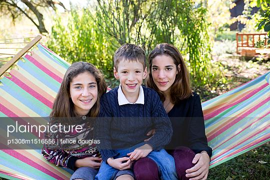 Geschwister - p1308m1516556 von felice douglas