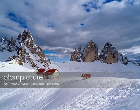 p1377m1261402 von Giovanni Simeone