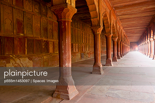 Temple corridor with pillars, Agra, Uttar Pradesh, India