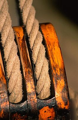 Hemp rope - p1003m760260 by Terje Rakke