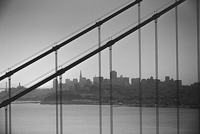Lines on San Francisco - p1290m1111066 by Fabien Courtitarat