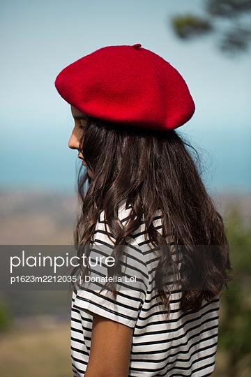 Nachdenkliches Mädchen - p1623m2212035 von Donatella Loi