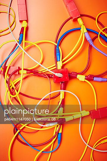 Netzwerk - p464m1147050 von Elektrons 08
