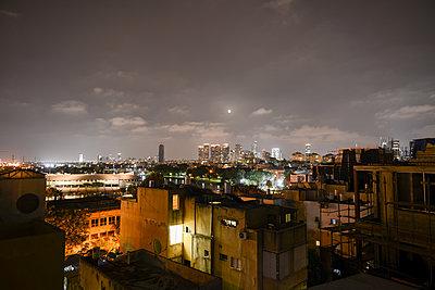 Skyline von Tel Aviv bei Nacht - p1267m1514256 von Wolf Meier