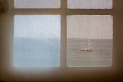 View of the sea from the window  - p940m1064421 by Bénédite Topuz