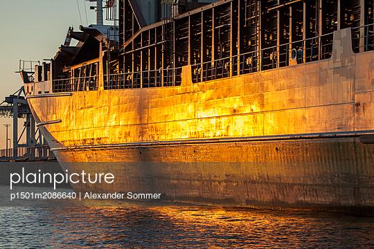 Frachtschiff - p1501m2086640 von Alexander Sommer