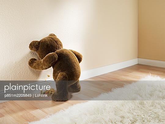 Teddybär übergibt sich - p851m2205849 von Lohfink
