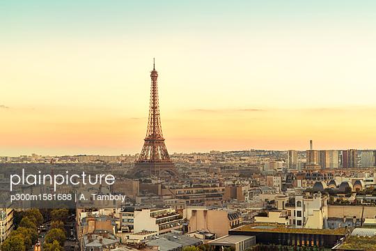 France, Paris, view to Eiffel Tower - p300m1581688 von A. Tamboly