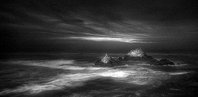 Surf - p911m945293 by matthieu grospiron