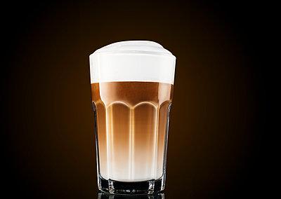 Latte Macchiato  - p1276m1200013 by LIQUID