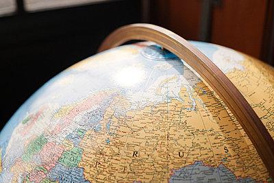 Globe - p956m709703 by Anna Quinn
