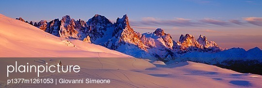 p1377m1261053 von Giovanni Simeone