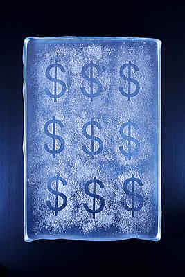 Dollar in Puderzucker - p1149m2027074 von Yvonne Röder