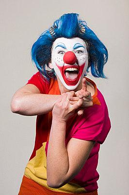 Freudige Clownin - p3580460 von Frank Muckenheim