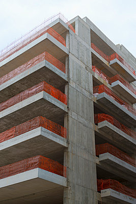 Building site - p383m1043246 by visual2020vision