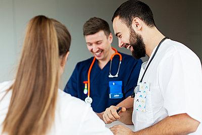 Doctors in hospital - p312m2174666 by Scandinav