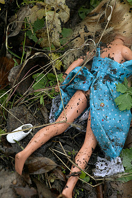 Doll in the dirt - p3640058 by T. Hoenig