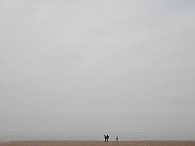 Norfolk Beach, Holkham, East Anglia - p591m1091427 von Celine Marchbank
