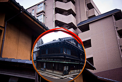An old teahouse reflected in a street mirror, Kanazawa, Japan, Asia - p934m1177228 by Dominic Blewett