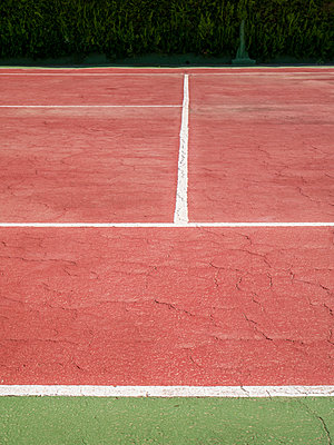 Tennis court - p1021m1585757 by MORA
