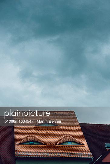 Gesicht auf dem Dach - p1088m1034547 von Martin Benner