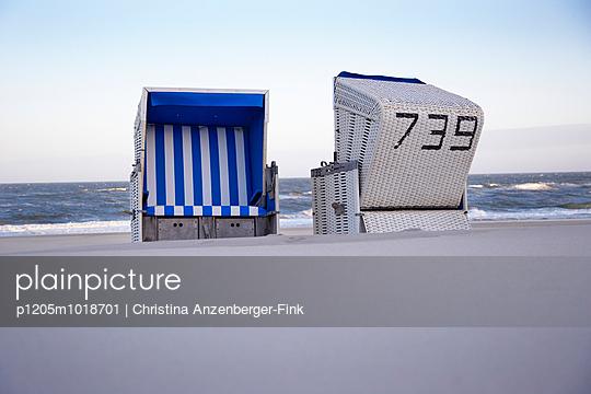 Rushing water - p1205m1018701 by Christina Anzenberger-Fink