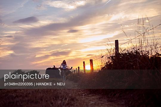 p1348m2200395 by HANDKE + NEU