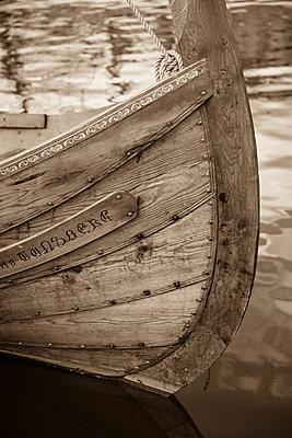 Viking ship - p1003m1052143 by Terje Rakke