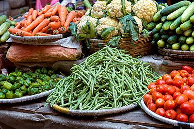 Gemüsestand - p949m948578 von Frauke Schumann