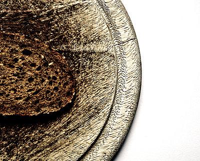 Slice of bread - p1221m1025841 by Frank Lothar Lange