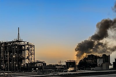 Chemical industrial plant - p401m2228389 by Frank Baquet