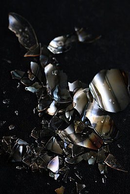 Broken Glass - p450m1541534 by Hanka Steidle