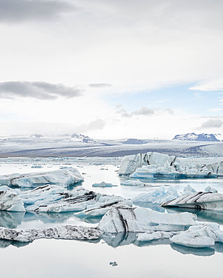 Glacier lagoon - p1124m1060311 by Willing-Holtz