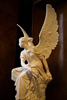 Alte Nationalgalerie Statue - p3300158 von Harald Braun