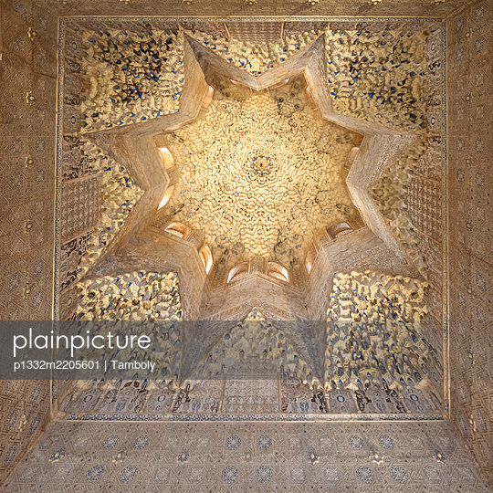 Spain, Granada, Alhambra, Ceiling - p1332m2205601 by Tamboly
