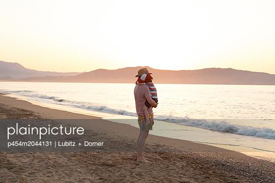 I´m taking care - p454m2044131 by Lubitz + Dorner