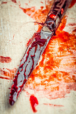 Knife covered with blood and human hair - p1302m1591686 by Richard Nixon